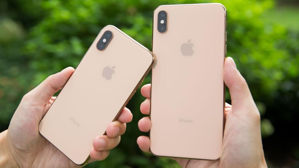 thay lưng iphone xs max giá rẻ tại đống đa