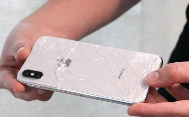 Kính lưng iPhone bị vỡ