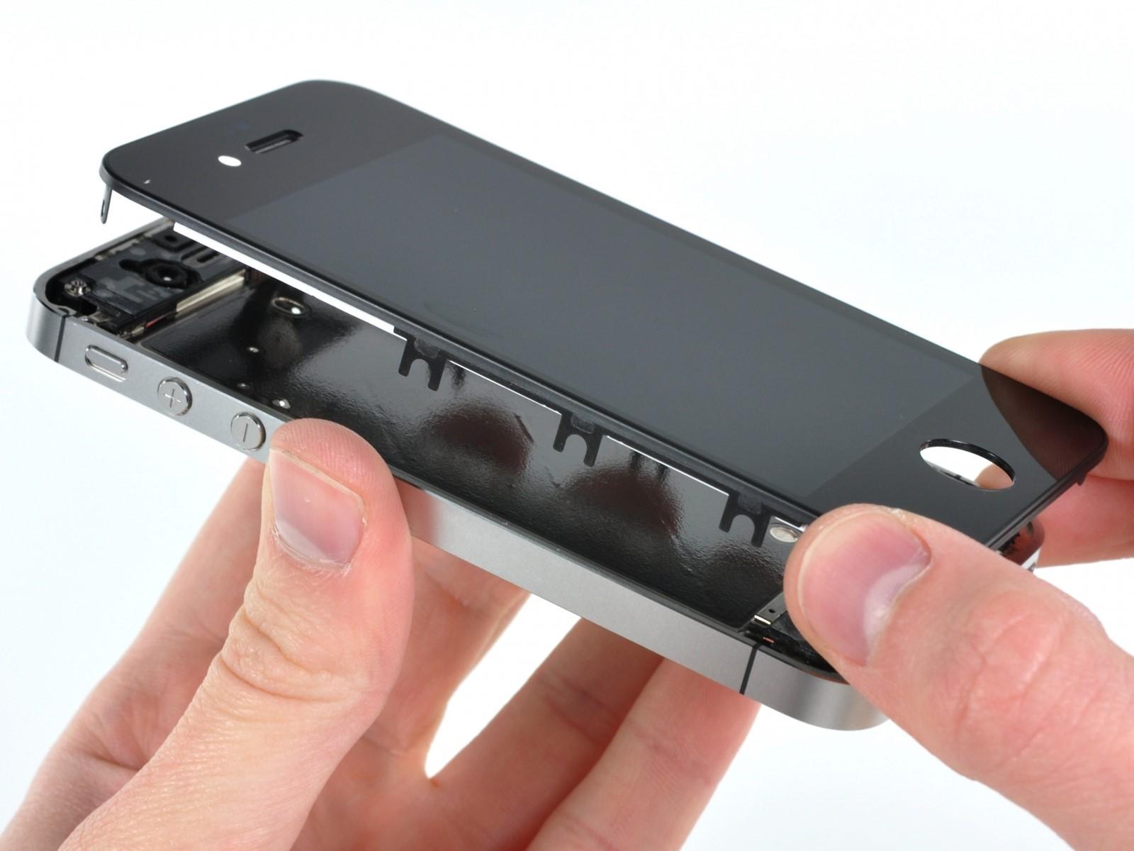 Cần tìm hiểu và lựa chọn một địa điểm thay khung sườn iPhone uy tín, chất lượng