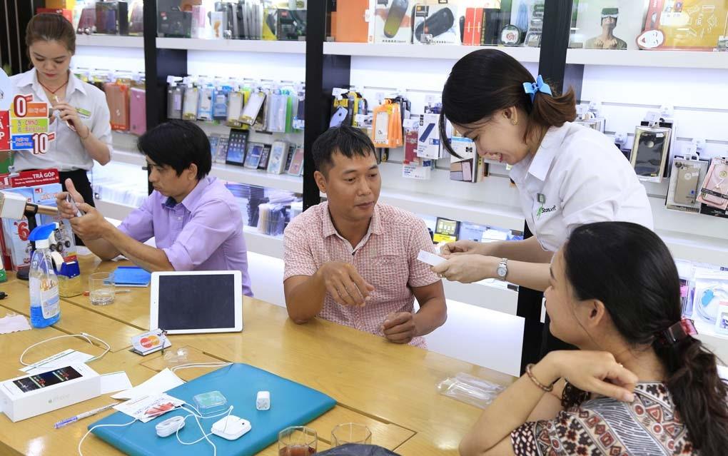 Đội ngũ nhân viên chăm sóc khách hàng chuyên nghiệp